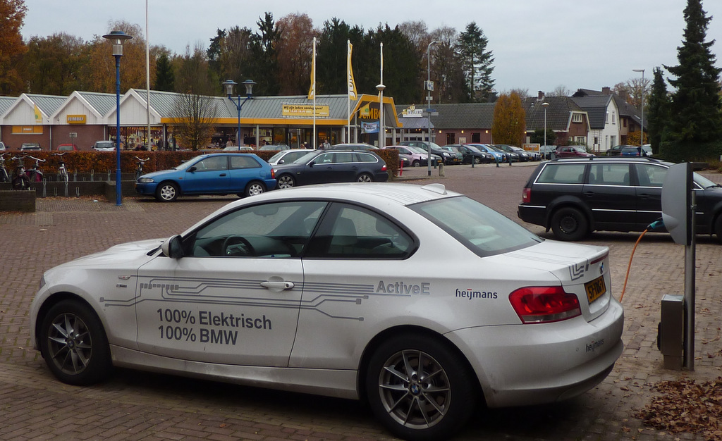 Parkeren Bij Een Oplaadpunt Voor Elektrische Auto S Gorssel Nl